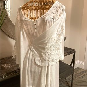 Cato blouse with Lace sleeve design.